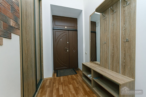 Close to the сentre in the old town, Un chambre (13868), 026