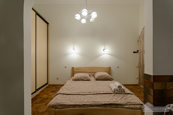 Close to the сentre in the old town, Un chambre (13868), 002