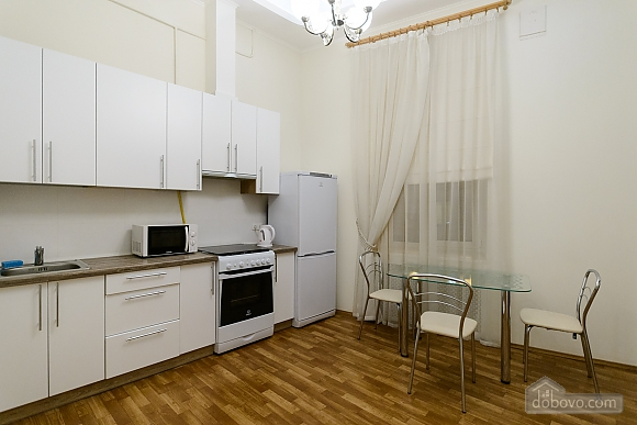 Close to the сentre in the old town, Un chambre (13868), 006