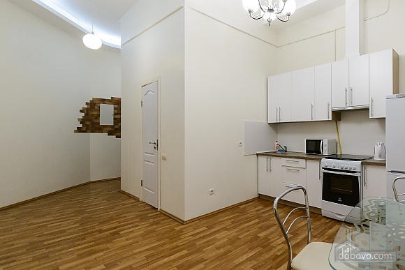 Close to the сentre in the old town, Un chambre (13868), 007