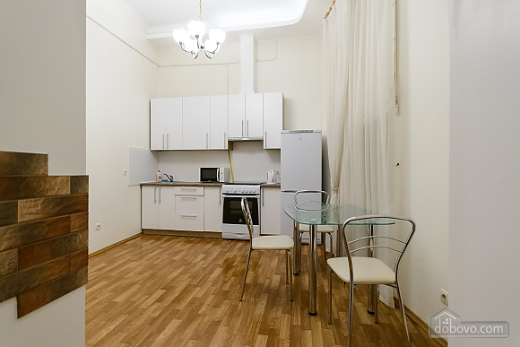 Close to the сentre in the old town, Un chambre (13868), 008