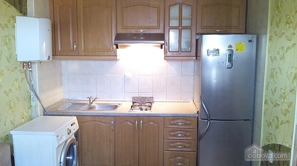 Квартира біля метро Святошино, 1-кімнатна (92587), 002