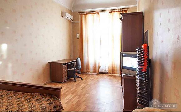 Квартира в центрі, 1-кімнатна (47618), 002