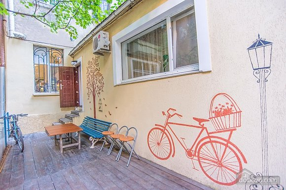 Suit  for three persons with shared bathroom, Studio (57690), 002