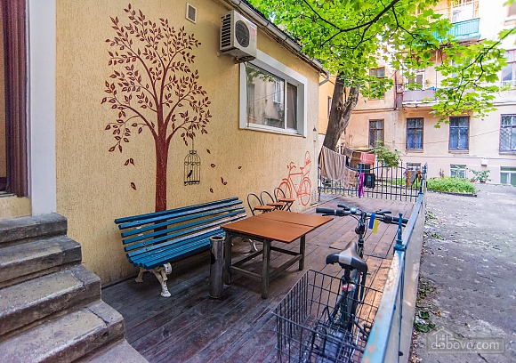Suit  for three persons with shared bathroom, Studio (57690), 003