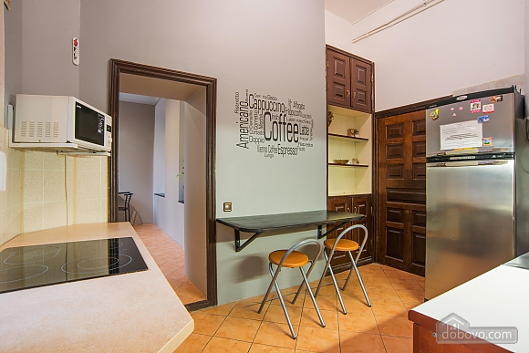 Suit  for three persons with shared bathroom, Studio (57690), 008