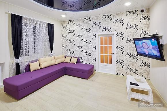 Квартира возле Оперного театра, 2х-комнатная (96179), 011