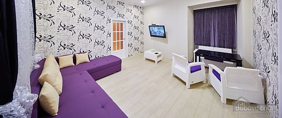 Квартира возле Оперного театра, 2х-комнатная (96179), 012