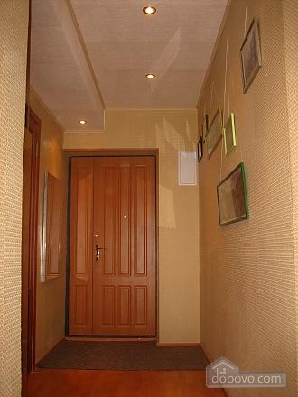 Квартира з євроремонтом в центрі, 2-кімнатна (97160), 010