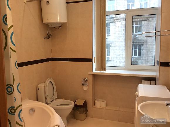 Квартира біля площі Незалежності, 2-кімнатна (84005), 030