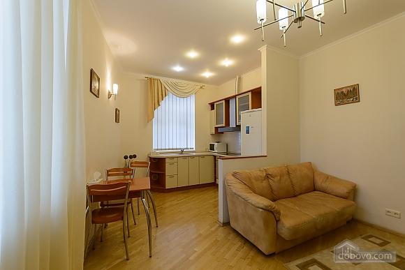 Квартира біля площі Незалежності, 2-кімнатна (84005), 004
