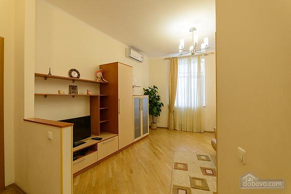 Квартира біля площі Незалежності, 2-кімнатна (84005), 007