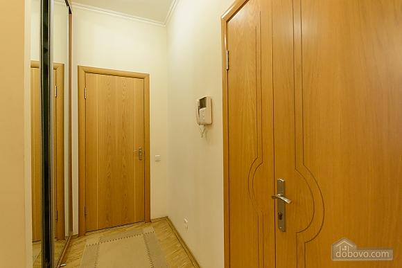 Квартира біля площі Незалежності, 2-кімнатна (84005), 010