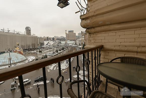Квартира біля площі Незалежності, 2-кімнатна (84005), 017