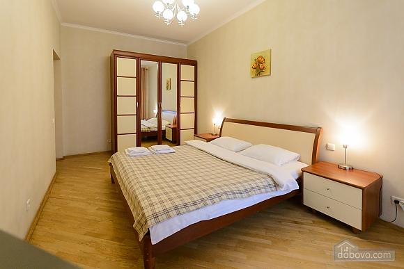 Квартира біля площі Незалежності, 2-кімнатна (84005), 015