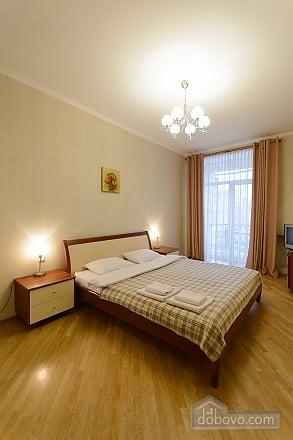 Квартира біля площі Незалежності, 2-кімнатна (84005), 016