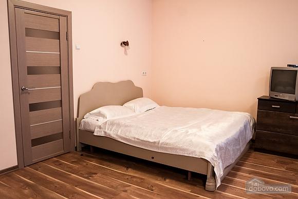 Уютная квартира-студия возле метро Олимпийская, 1-комнатная (88426), 001