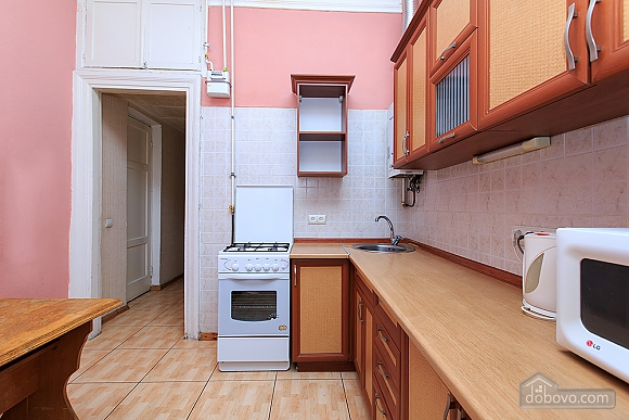 The apartment is in a central and quiet location, One Bedroom (83120), 010
