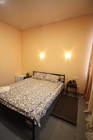 Апартаменти студія в самому центрі міста (міні-готель), 1-кімнатна, 002
