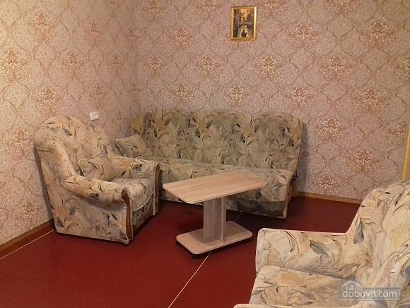 Apartment in Boevoi district, Studio (75290), 003