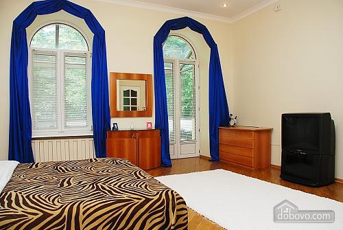 Квартира на Лютеранській, 3-кімнатна (10512), 004