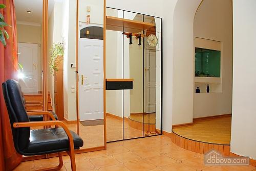 Квартира на Лютеранській, 3-кімнатна (10512), 020