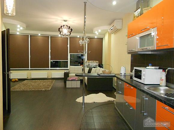 Квартира з хорошим ремонтом, 2-кімнатна (33160), 003