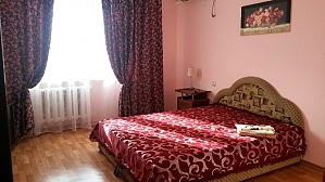 Cheap romantic apartment, One Bedroom, 001