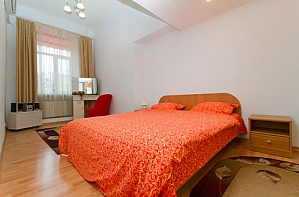 24a Mykhailivska, Zweizimmerwohnung, 001