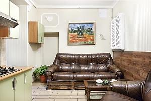Квартира с джакузи и 2мя спальнями напротив Арена Сити, 3х-комнатная, 003