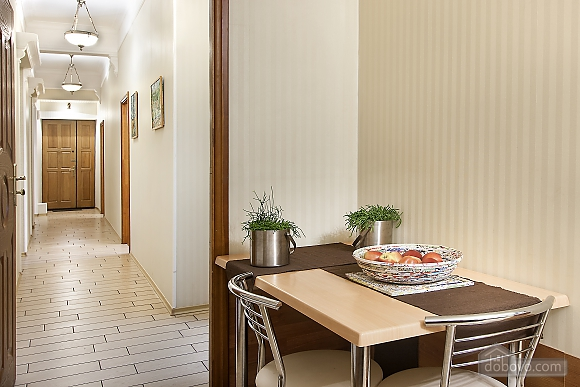 Apartment with jacuzzi and 2-bedroom in front of Arena City, Dreizimmerwohnung (87029), 006