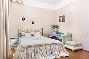 Квартира с джакузи и 2мя спальнями напротив Арена Сити, 3х-комнатная, 001