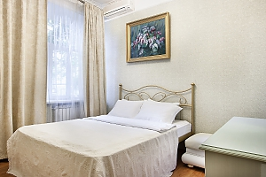 Apartment with jacuzzi and 2-bedroom in front of Arena City, Dreizimmerwohnung, 009