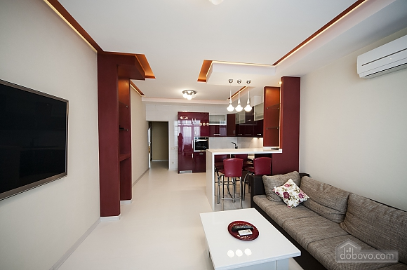 VIP apartment with two separate bedrooms and a terrace in Arcadia, Dreizimmerwohnung (92785), 004