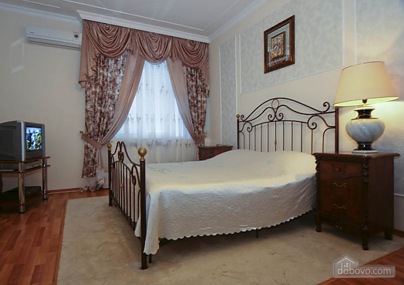 Apartment in the center of Kharkov, One Bedroom (65461), 001