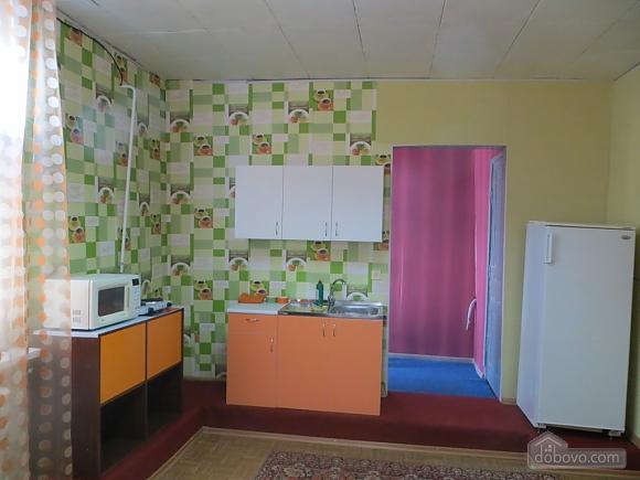 Затишна квартира, 2-кімнатна (46289), 002