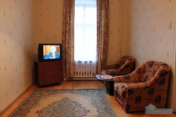 Квартира напротив дворца Потоцких, 2х-комнатная (12387), 002