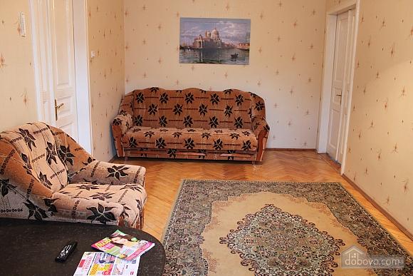 Квартира напротив дворца Потоцких, 2х-комнатная (12387), 003