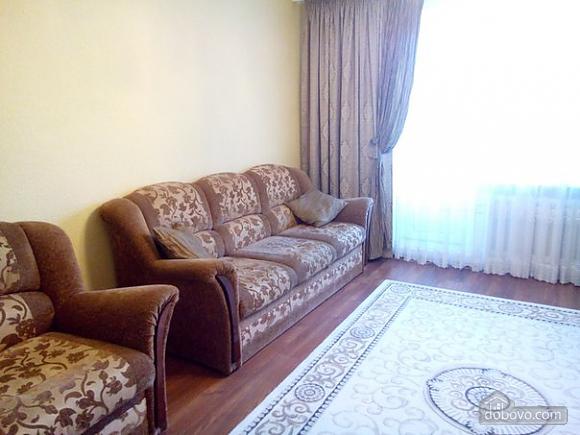 Квартира в тихом районе, 3х-комнатная (67373), 004