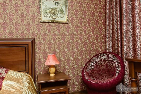 Комфортная квартира с дизайнерским ремонтом, 2х-комнатная (21783), 004