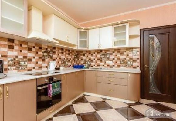 Комфортная квартира с дизайнерским ремонтом, 2х-комнатная (21783), 008