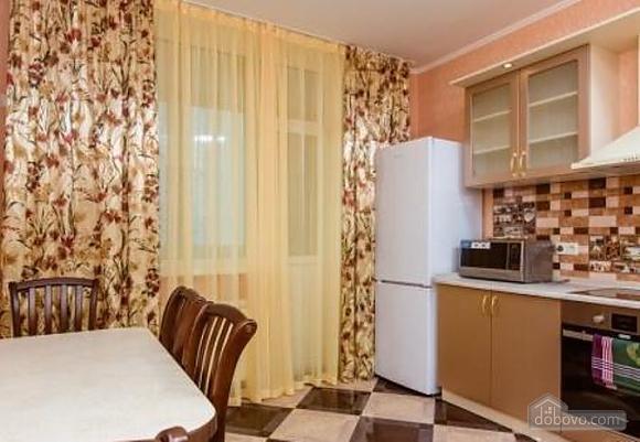 Комфортная квартира с дизайнерским ремонтом, 2х-комнатная (21783), 009