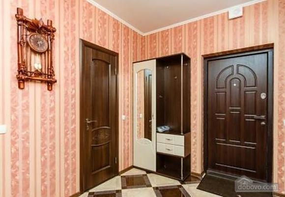 Комфортная квартира с дизайнерским ремонтом, 2х-комнатная (21783), 010