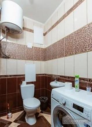 Комфортная квартира с дизайнерским ремонтом, 2х-комнатная (21783), 012