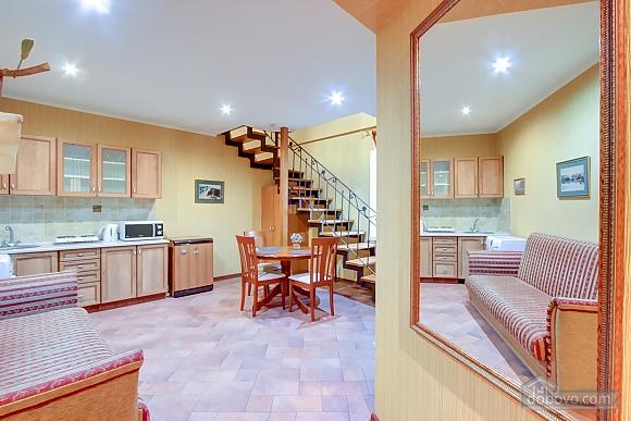 Стильная квартира, 2х-комнатная (71840), 002