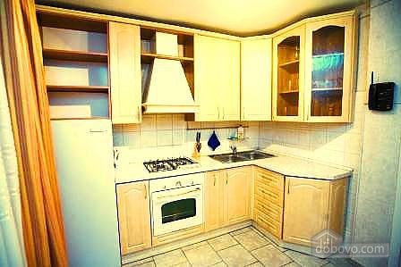 Комфортабельная квартира в самом центре города, 1-комнатная (60012), 007