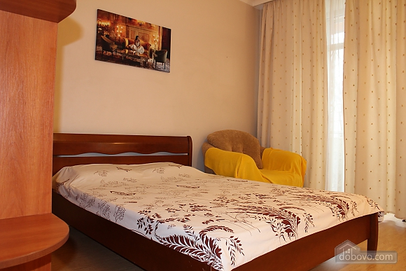 Комфортна квартира біля Золотих Воріт, 1-кімнатна (55371), 002