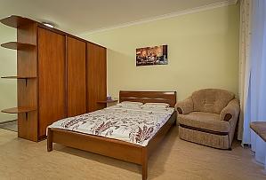 Comfortable apartment near to Zoloti Vorota , Studio, 004