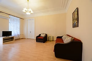 One bedroom apartment on Rustaveli (179), One Bedroom, 001