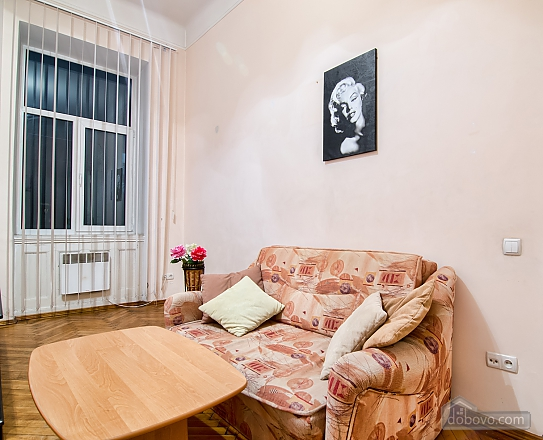 Просторі апартаменти в центрі, 2-кімнатна (83576), 009